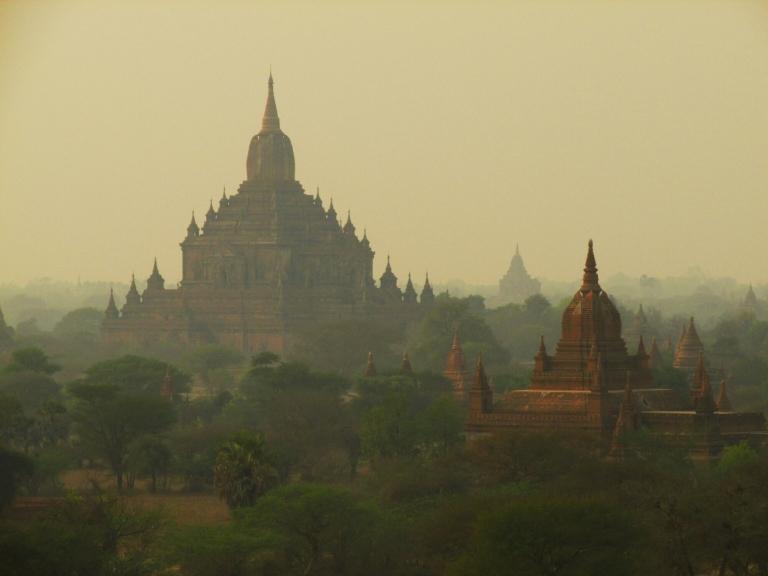 """Lever de soleil sur Bagan, le """"Must see"""" au Myanmar"""