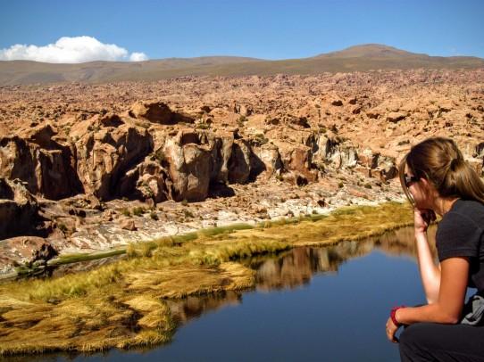 Le plaisir de grimper aux rochers pour admirer de haut le Laguna Negra.